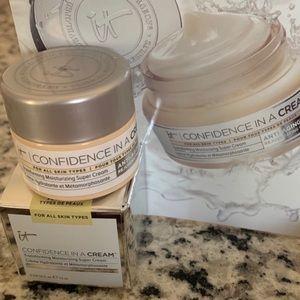 3/$15 IT Cosmetics confidence in a cream